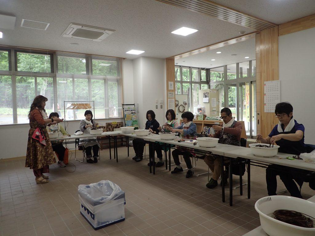 平成30年6月9日あけびのひらかごづくり講習会2